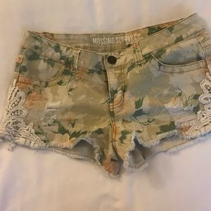 Mission floral Jean shorts with lace sides